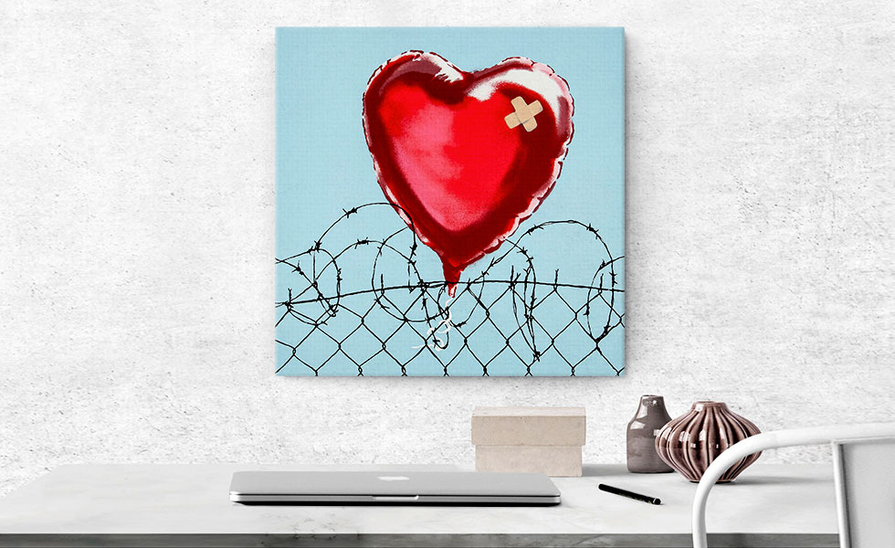 Love Hurts: Barbed Wire Heart Ballon